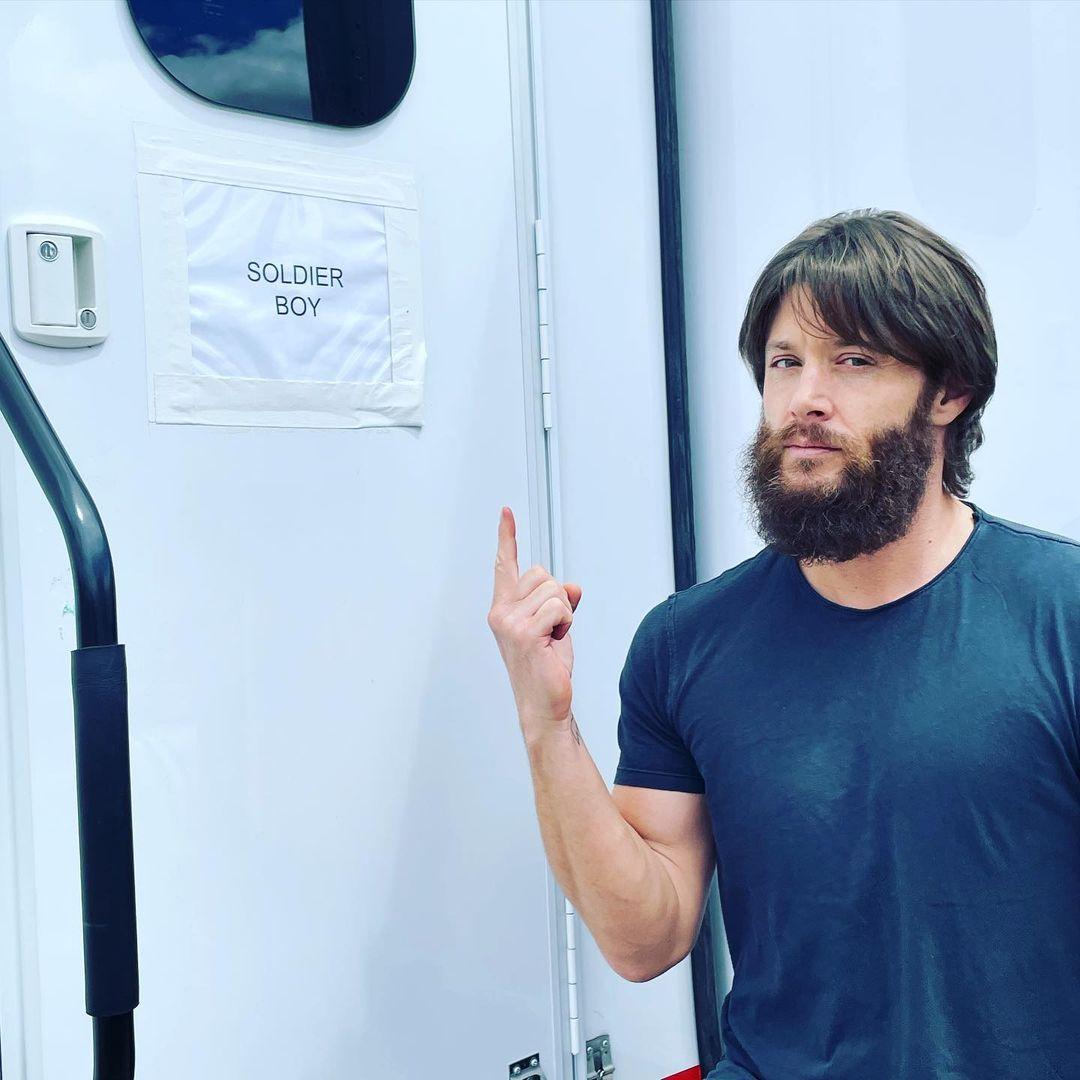 Jensen Ackles como Soldier Boy en el set de la temporada 3 de The Boys. Imagen: Jensen Ackles Instagram (@jensenackles).