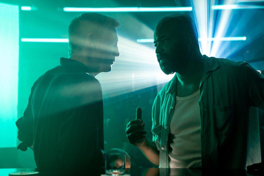 James Bond (Daniel Craig) y Felix Leiter (Jeffrey Wright) en No Time to Die (2021). Imagen: 007.com
