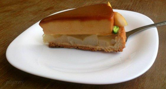 Tarta cu pere si crema caramel