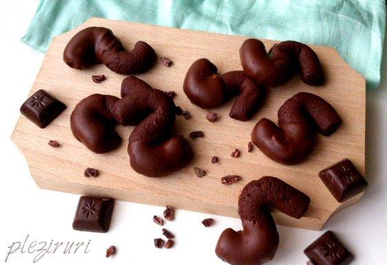 Biscuiti-S-cu-ciocolata