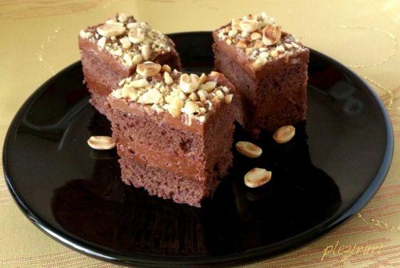 Prajitura cu ciocolata si unt de arahide