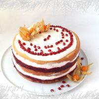 Tort cu fructe de padure si mousse de iaurt