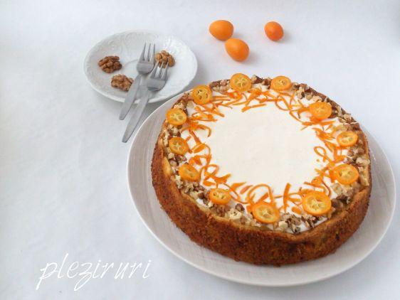 Cheesecake pe blat cu morcovi