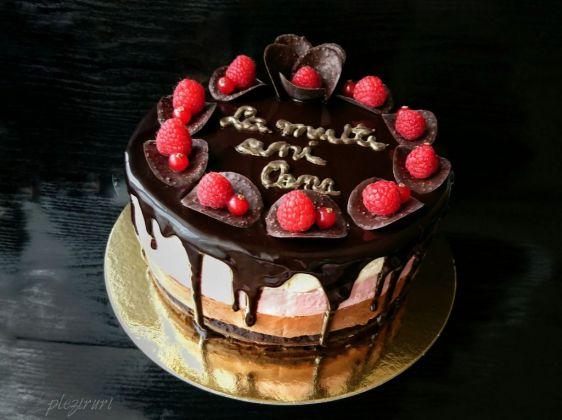 Tort Trio cu crema de branza ciocolata si zmeura