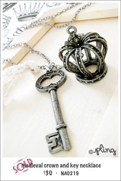 NA0219 - medieval crown and key necklace