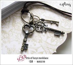 NA0239 - trio of keys necklace