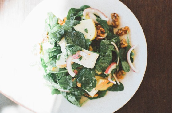 spinach walnut salad - superfood for hair
