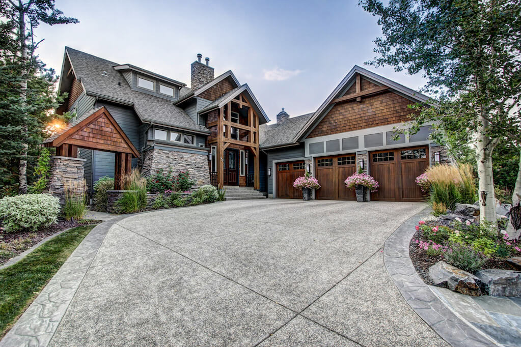 Exterior-architecture-40-Wentwillow-lane-SW-west-springs-real-estate-for-sale-plintz-Realtor-calgary-sothebys-Luxury