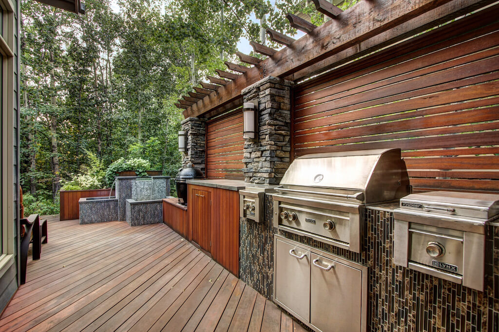 Barbeque-deck-40-Wentwillow-lane-SW-west-springs-real-estate-for-sale-plintz-Realtor-calgary-sothebys-Luxury