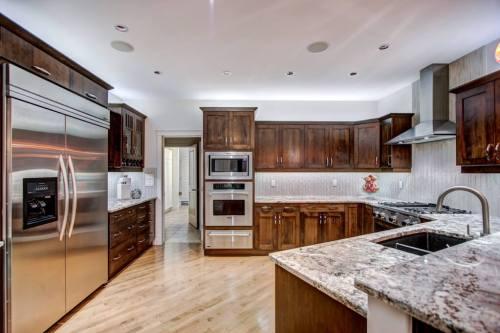 Kitchen-gourmet-40-Wentwillow-lane-SW-west-springs-real-estate-for-sale-plintz-Realtor-calgary-sothebys-Luxury