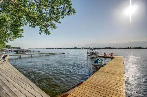Lakefront-home-for-sale-private-dock
