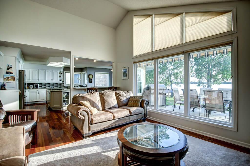 Living-room-view-real-estate-for-sale-plintz