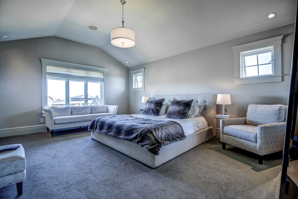 Bedroom-vaulted-ceillings-20-October-Gold-Gate-Elbow-Valley-For-Sale-Plintz-Real-Estate-Calgary-Sothebys