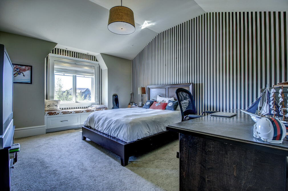 Master-bedroom-feature-wall-20-October-Gold-Gate-Elbow-Valley-For-Sale-Plintz-Real-Estate-Calgary-Sothebys