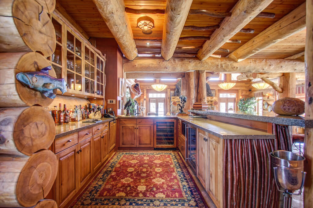Wet-bar-entertaining-352248-Pine-Ridge-Road-Bragg-Creek-Ranch-Acreage-For-Sale-Calgary-Real-Estate-For-Sale-taylor-sothebys-Realtor-Plintz