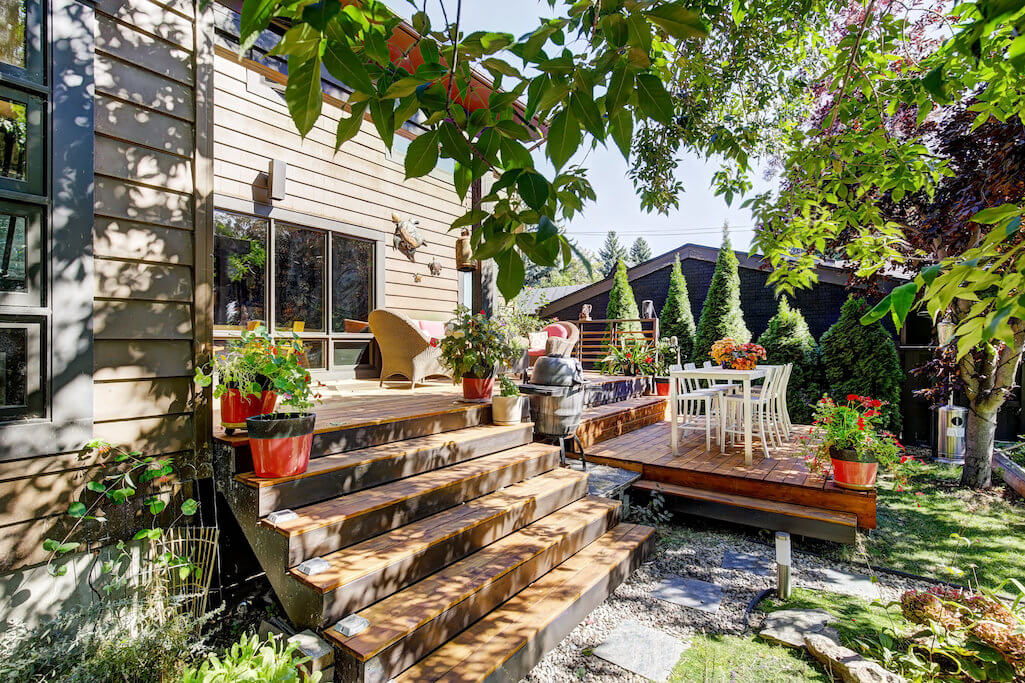 Back-deck-steps-1219-Beverley-Boulevard-SW-Belaire-Calgary-Realtor-plintz-real-estate-luxury-home-for-sale-house-