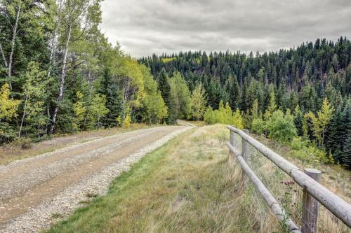nature-trails-trees-cochrane-Crossing-Ghost-River-Plintz-Real-Estate-For-Sale