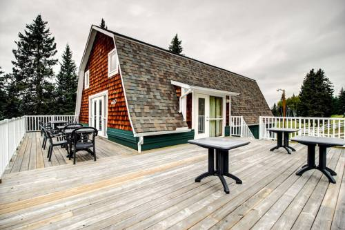 Deere-House-The-Crossing-Cochrane-Ghost-River-Plintz-Real-Estate-For-Sale