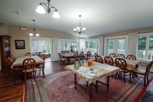 Dining-Room-Crossing-Ghost-River-Plintz-Real-Estate-For-Sale