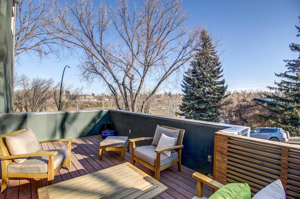 balcony-master-bedroom-904-31-Avenue-NW-cambrian-heights-mount-pleasant-calgary-real-estate-for-sale-plintz