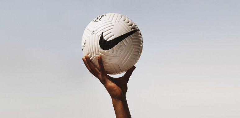 Ny premier league ball