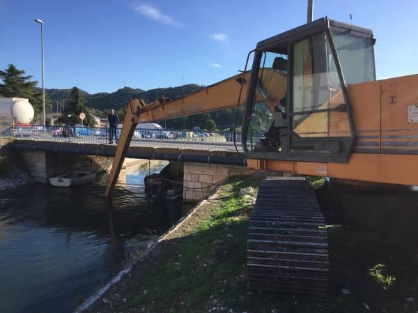 [FOTO] Čisti se kanal u sklopu izgradnje novog parkinga ...