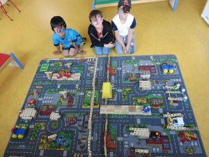 Jeux au centre de loisirs de Plonéour-Lanvern