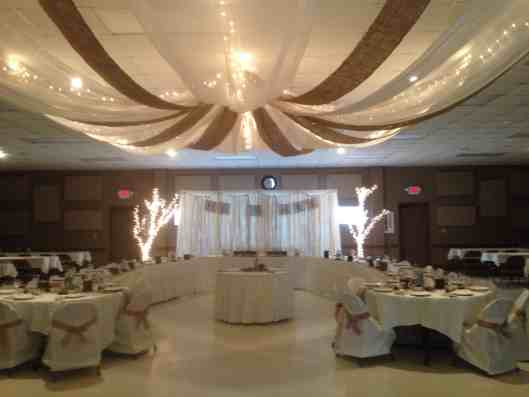 burlap and lace wedding reception