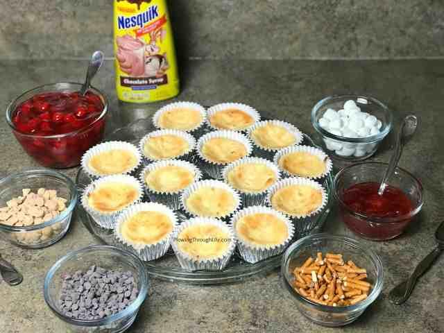 easy dessert bar idea - make your own mini cheesecakes