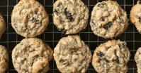 old fashioned oatmeal raisin cookies farmhouse style
