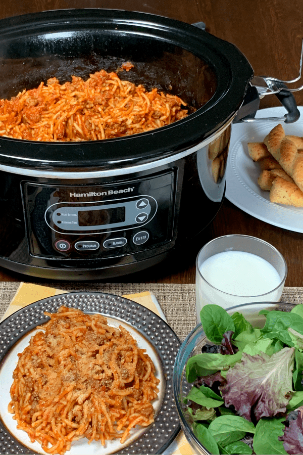 Farmhouse Crock Pot Spaghetti is the best crock pot recipe for a baked spaghetti flavor.  If you need a new spin on spaghetti you've got to try this recipe!  This is the easiest restaurant quality spaghetti to make at home.  My son said it is YUMMY!