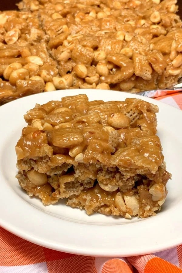 Pay Day Crunch is a peanut-filled snack or dessert that is sweet, crunchy and satisfying. This treat is great for family parties, tailgates, watching baseball games, races or other sporting events.