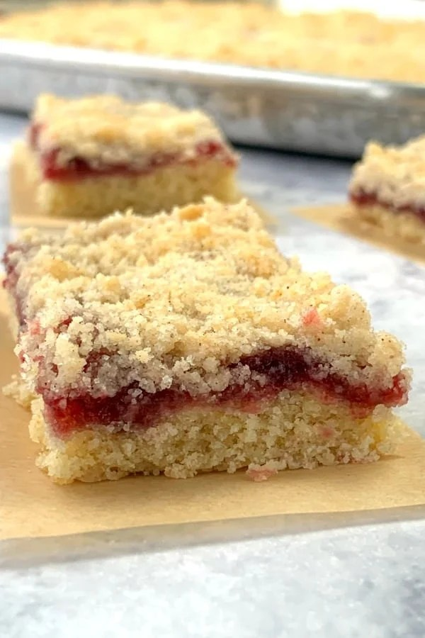 Raspberry jam in pastry with streusel topping
