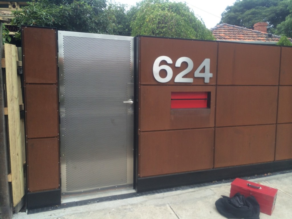 Fencing and Gates with Stainless Steel House Number (Corten)