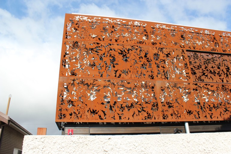Olinda Leaves Laser cur screens in Corten