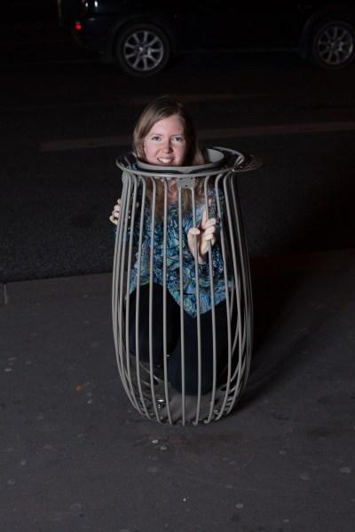 """Phoebe de retour à Paris dans une nouvelle """"Poubelle"""" bin design lancée peu après son retour,  Novembre 2013"""