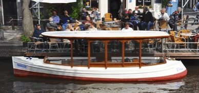 Farahilde electric boat for rent in Amsterdam