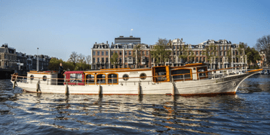 Libelle  - a 1910 electric canal boat for rent in Amsterdam