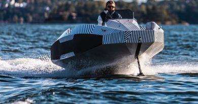 Nouveau bateau à hydroglisseur électrique de Suède