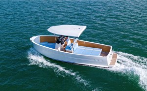Glas Boatworks 7EVEN electric boat