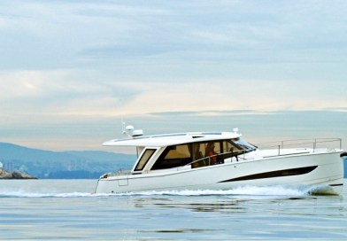 6 Greenline Yachts for world's 1st all electric charter fleet
