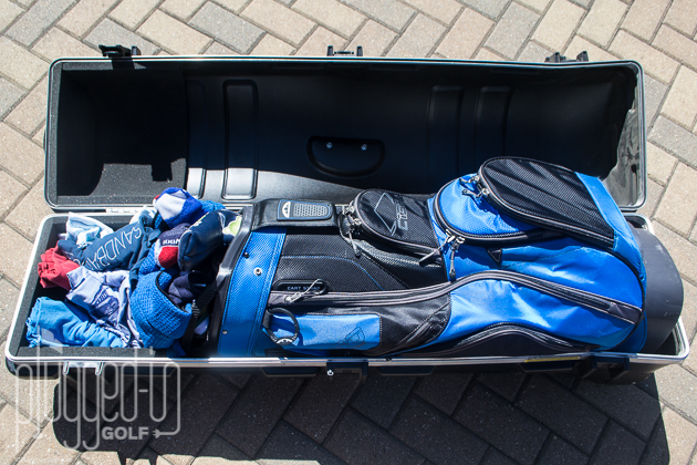 Packing Golf Clubs_0049