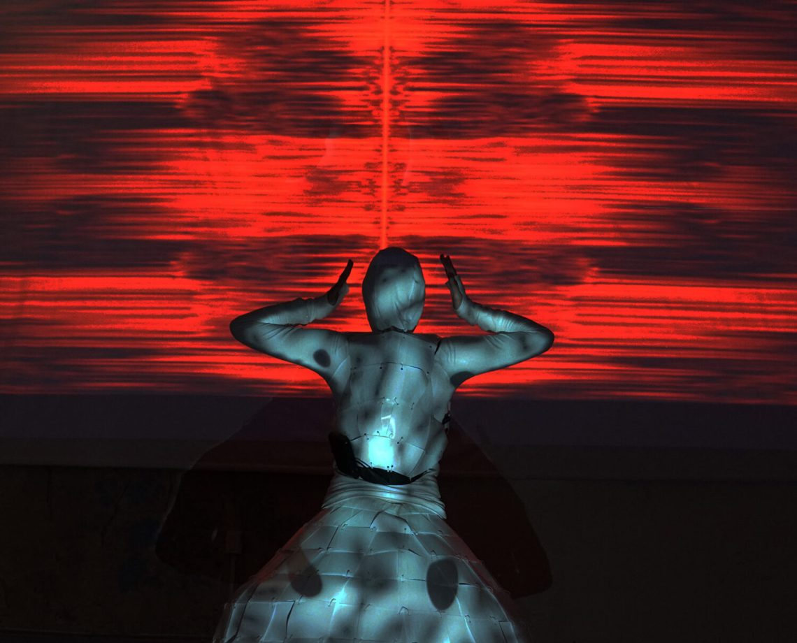 PluginHUMAN: Betty Sargeant & Justin Dwyer. THE LOOP a multi-sensory performance controlled by real-time neural function