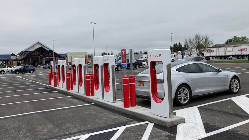 Somerset, PA - North Service Plaza Supercharger