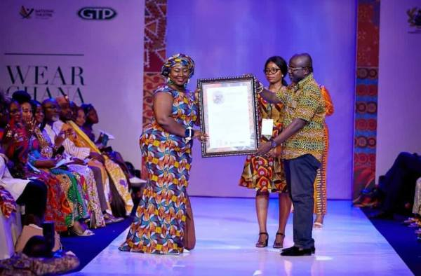 Nana Addo Gift Anti Okyeame Kwame Others Honored At Wear Ghana Festival Fashion Show Plugtimes Com