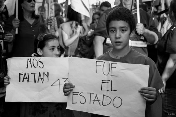 Uruguay por Ayotzinapa. ¿Ya basta de culpar al gobierno federal? Foto: Sofía