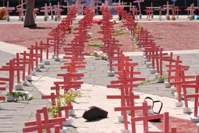 feminicidios-cruces