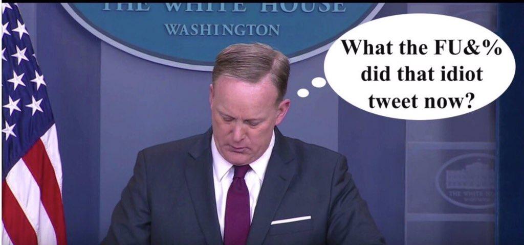 Sean Spicer no sabe qué tuiteó Trump
