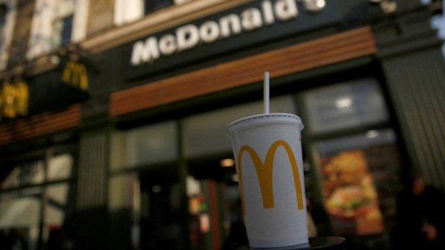 BBC descubre heces fecales en bebidas restaurantes comida rápida