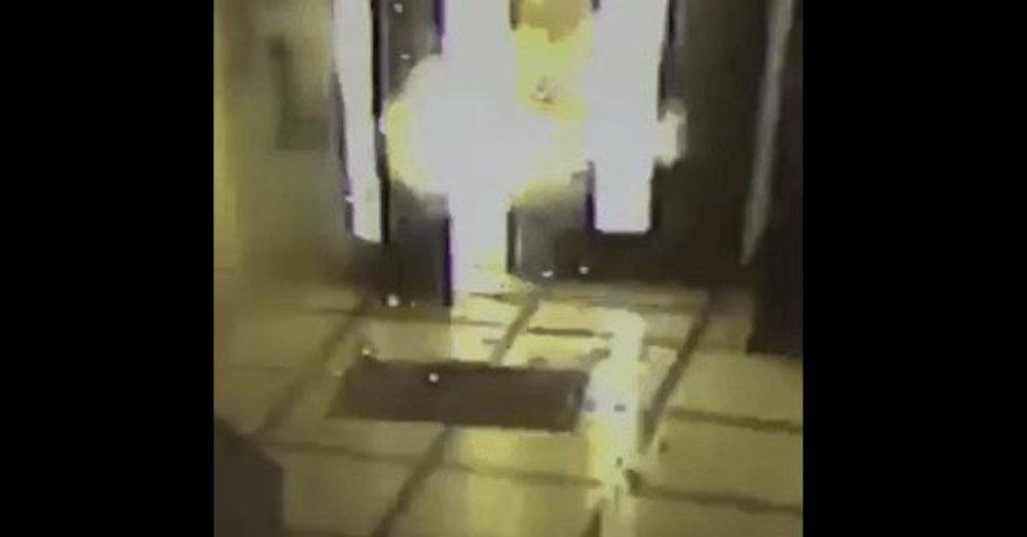 Estalla bomba molotov afuera del episcopado mexicano.
